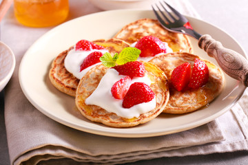 Scottish oat pancakes with honey