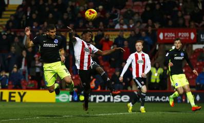 Tomer Hemed scores the third goal for Brighton