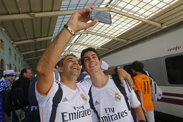 Real Madrid supporters take a selfie in Lisbon