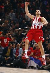 Olympiacos Piraeus's Kleiza reacts during his team's Euroleague Basketball Final Four semifinal game against Partizan Belgrade in Paris