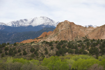 DCathedral Rock and Pikes Peak in Spring