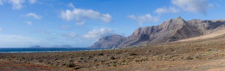 La caleta de Famara, Lanzarote, Canaries