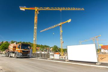 Baustelle Schild Kraene Fahrzeug