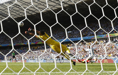 Argentina's goalkeeper Romero makes a save during their 2014 World Cup Group F soccer match against Iran at the Mineirao stadium in Belo Horizonte