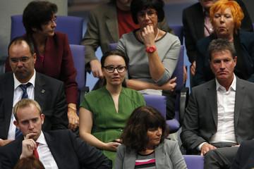 Muentefering of SPD  awaits start of constitutional meeting in Berlin