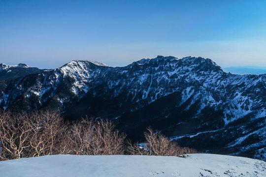 八ヶ岳 阿弥陀岳山頂より横岳、硫黄岳