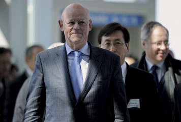 Dutch Foreign Minister Uri Rosenthal arrives at Incheon Airport outside Seoul