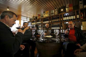 Tourists visit Bacalhoa winery in Azeitao