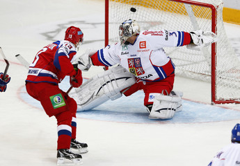 Russia's Datsyuk scores on Czech Republic's goalie Pavelec during their Channel One Cup ice hockey game in Moscow