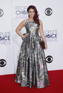 """Jillian Rose Reed from MTV's """"Awkward"""" arrives at the 2015 People's Choice Awards in Los Angeles"""