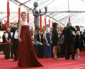 Actress Edie Falco arrives at the 16th annual Screen Actors Guild Awards in Los Angeles