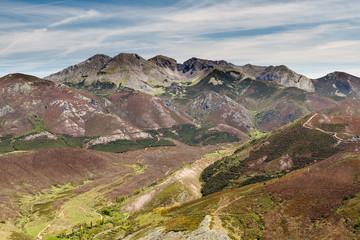 Macizo de Mampodre. Cordillera Cantábrica, León, España.