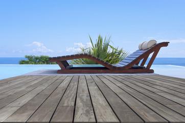 piscine à débordement avec vue sur mer