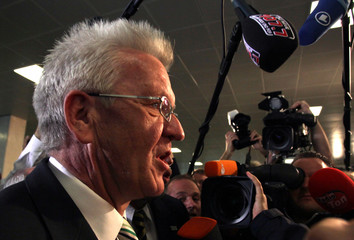 """Kretschmann the top candidate of the Green Party """"Buendnis 90/ Die Gruenen"""" arrives at the State Parliament in Stuttgart"""