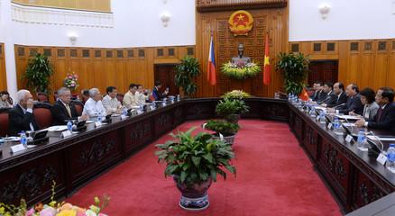Philippines' President Rodrigo Duterte holds talks with Vietnamese Prime Minister Nguyen Xuan Phuc in Hanoi