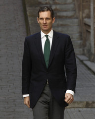 Urdangarin arrives for questioning over corruption allegations at a court in Palma de Mallorca