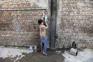 The Wider Image: Thirst for clean water