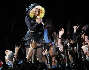 "Nicky Minaj performs on the Alicia Keys song ""Girl on Fire"" during the 2012 MTV Video Music Awards in Los Angeles"
