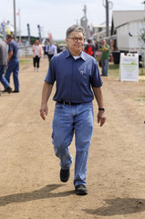 Senator Al Franken meets with constituents at Minnesota Farmfest in Redwood County