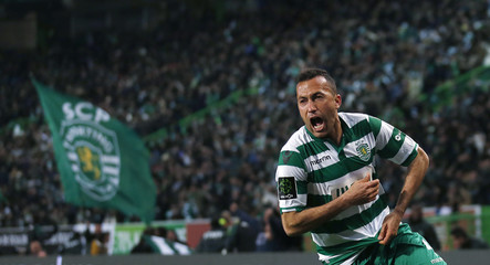 Sporting's Nascimento celebrates his goal against Benfica during their Portuguese premier league soccer match at Alvalade stadium in Lisbon