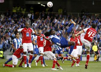 Porto's Varela attempts an overhead kick during their Europa League final soccer match against Braga in Dublin