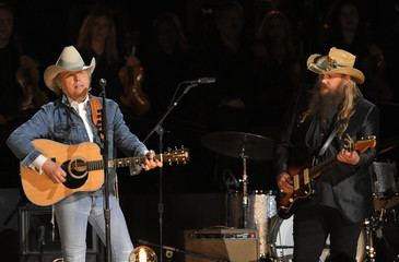 """Yoakam and Stapleton perform """"Seven Spanish Angels"""" at the 50th Annual Country Music Association Awards in Nashville"""