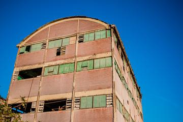 Dans l'usine abandonnée de Toscane