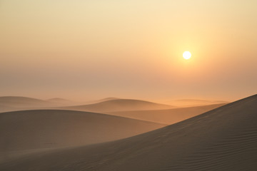 Foto auf Leinwand Durre Sunrise in a desert near Dubai