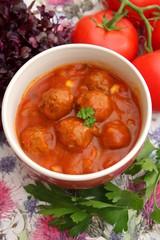 Fleischklopse in Tomatensauce