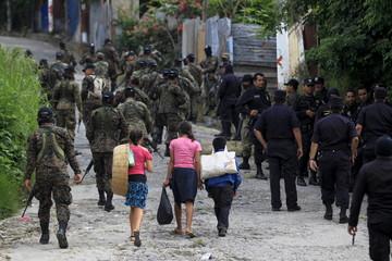 The Wider Image: Death in San Salvador