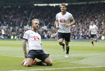 Derby County v Wolverhampton Wanderers - Sky Bet Football League Championship
