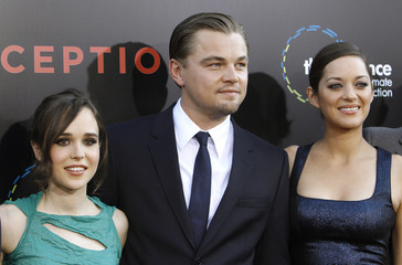 """DiCaprio poses with co-stars Cotillard and Page at the premiere of """"Inception"""" at the Grauman's Chinese theatre in Hollywood"""