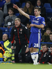 Bournemouth manager Eddie Howe as Chelsea's Cesar Azpilicueta looks on