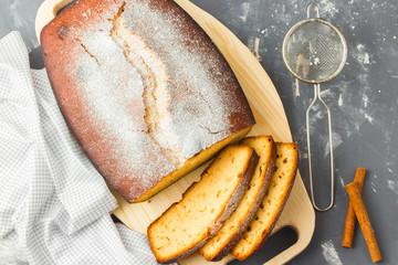 Loaf cake with sugar powder.