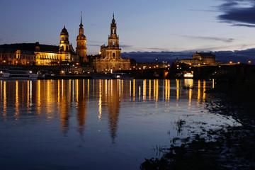 Dresden Hofkirche, Schloss und Ständehaus an der Elbe