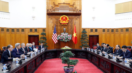 John Kerry, Nguyen Xuan Phuc