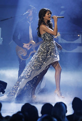 Singer Selena Gomez performs 'A Year Without Rain' at the 2011 People's Choice Awards in Los Angeles