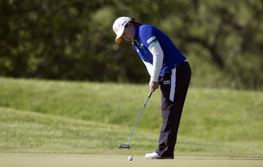 Park putts during the Manulife Financial LPGA classic women's golf tournament in Waterlo