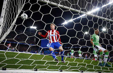 Football Soccer - Atletico Madrid v PSV Eindhoven - UEFA Champions League group stage