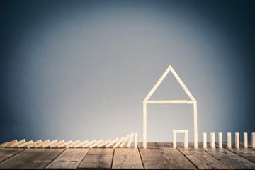 ドミノブロックと住宅イメージ