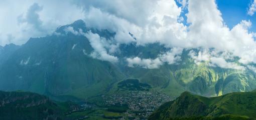 Spoed Foto op Canvas Groen blauw Mountains of Republic of Georgia