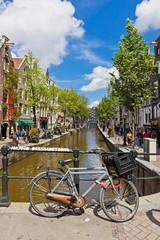 Deurstickers Fiets Red Light District in Amsterdam, Netherlands