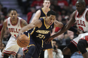 Indiana Pacers' Granger drives on Chicago Bulls' Deng during the first half of Game 2 of their NBA Eastern Conference first round playoff basket ball game in Chicago