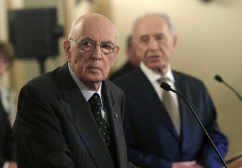 Israel's President Peres and his Italian counterpart Napolitano hold a joint news conference in Jerusalem