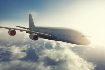 Langstrecken-Flugzeug am fliegen