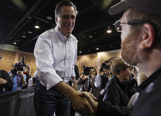 U.S. Republican presidential candidate and former Massachusetts Governor Mitt Romney greets supporters at a campaign stop in Florence, South Carolina