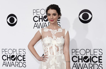 Adelaide Kane Arrives At The 2014 Peoples Choice Awards In Los Angeles