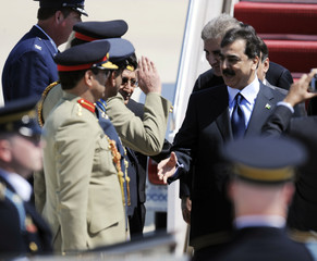 Pakistan's PM Gilani arrives at Andrews Air Force Base in Maryland
