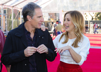 Actors Scott Bakula and Sasha Alexander prepare to roll out the red carpet during preparations for Saturday's 20th Annual Screen Actors Guild Awards in Los Angeles