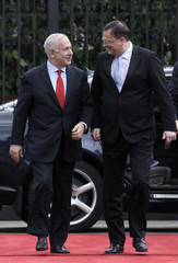 Czech PM Necas welcomes his Israeli counterpart Netanyahu in Prague
